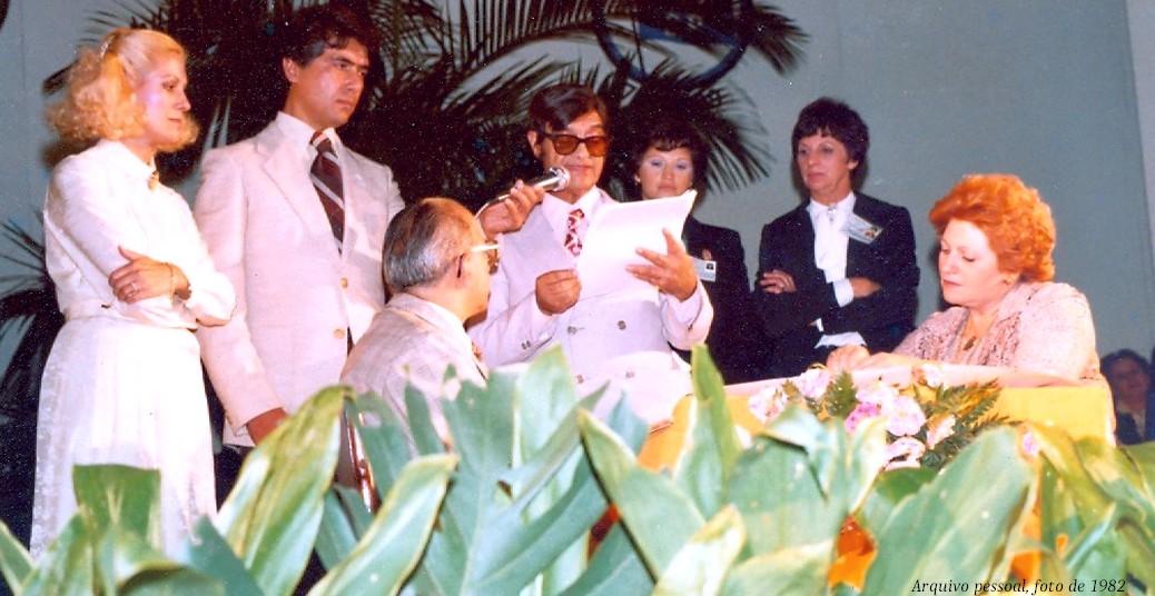 Chico Xavier e amigos, no chá da Mercedes, em 1982