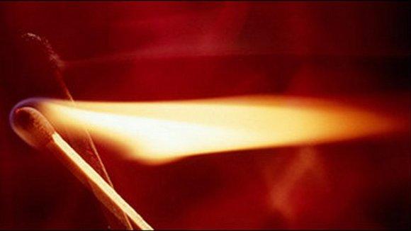 A luz nasce da chama